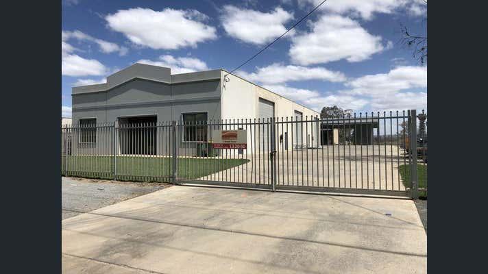 Whole, 7 Riedell Street East Wagga Wagga NSW 2650 - Image 1