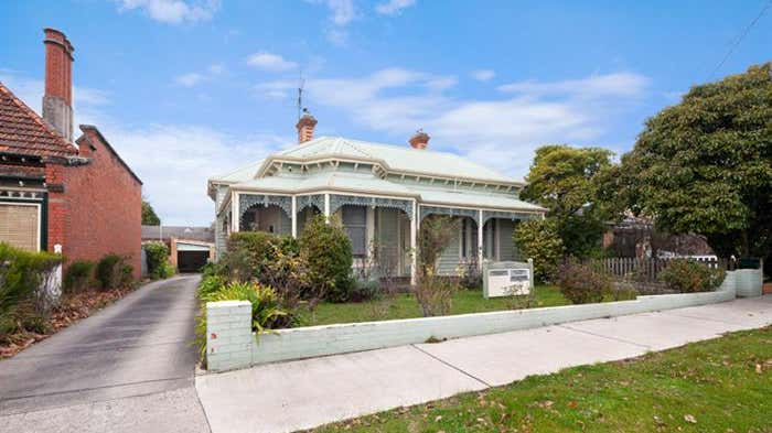 112 Drummond Street North Ballarat Central VIC 3350 - Image 2