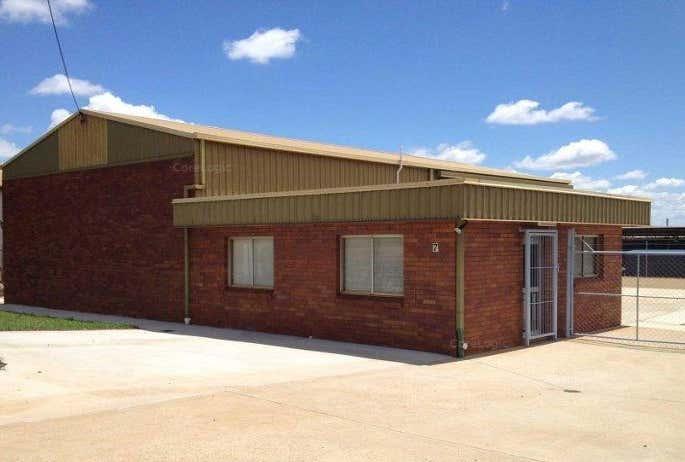 7 Eyers Street Wilsonton QLD 4350 - Image 1
