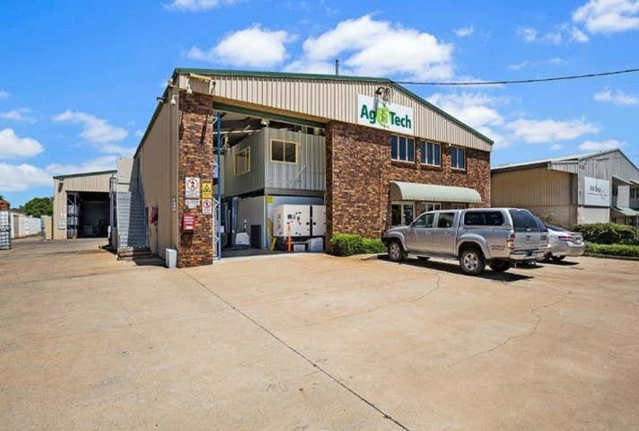 8 Rocla Court Glenvale QLD 4350 - Image 1