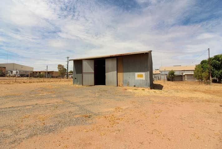 17 Richardson Rd Mount Isa QLD 4825 - Image 1
