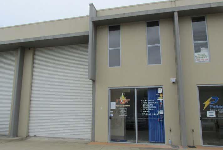 4/3 Southern Cross Circuit Urangan QLD 4655 - Image 1