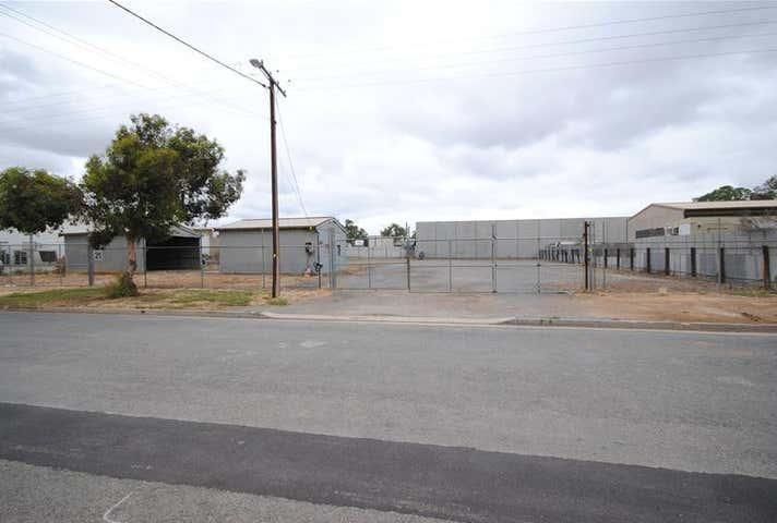 21 Ninth Street Wingfield SA 5013 - Image 1