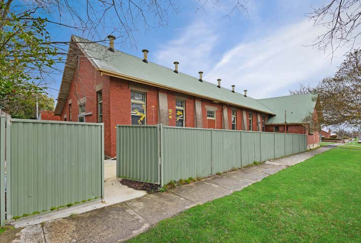 820 Armstrong Street North Soldiers Hill VIC 3350 - Image 1