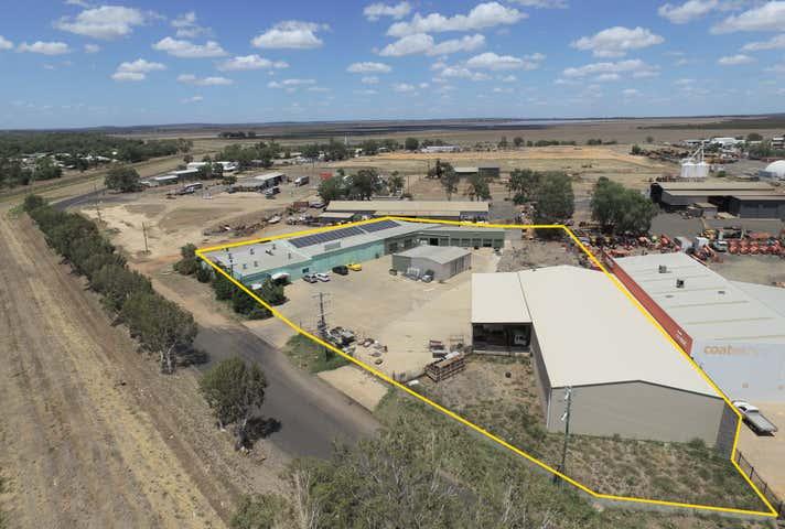 1 Macaulay Road Emerald QLD 4720 - Image 1