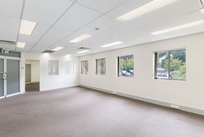 Suite 3   Level 2, 120 Erina Street, Gosford, NSW 2250
