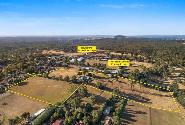 17 Smith St Daylesford VIC 3460 - Image 1