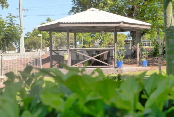 Hillview Motel, 3 Hackett Terrace, Richmond Hill, Qld 4820