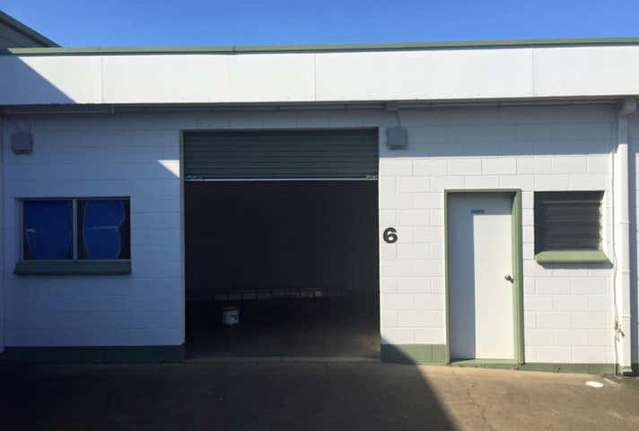 12 Victoria St Parramatta Park QLD 4870 - Image 1