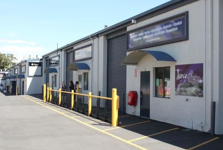 6 and 7/28 Rudloc Road Morley WA 6062 - Image 1