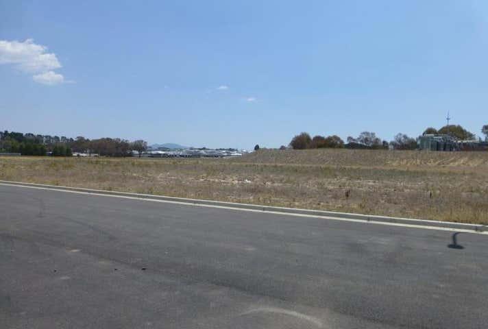 15 Strathgrove Way, Orange, NSW 2800