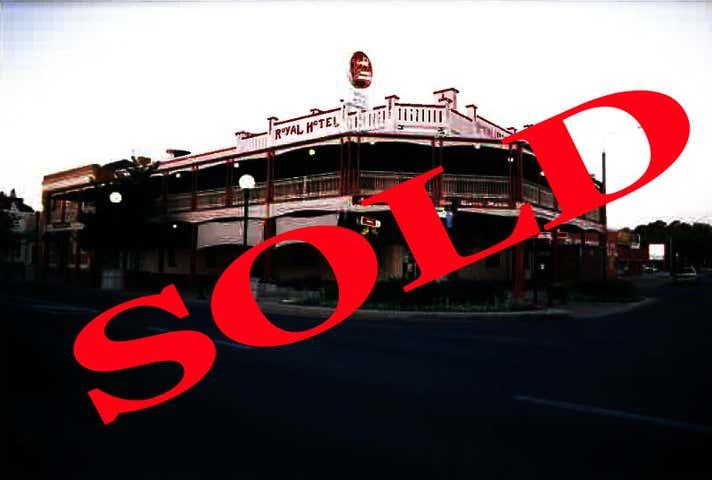 Royal Hotel, 95 Sanger Street Corowa NSW 2646 - Image 1