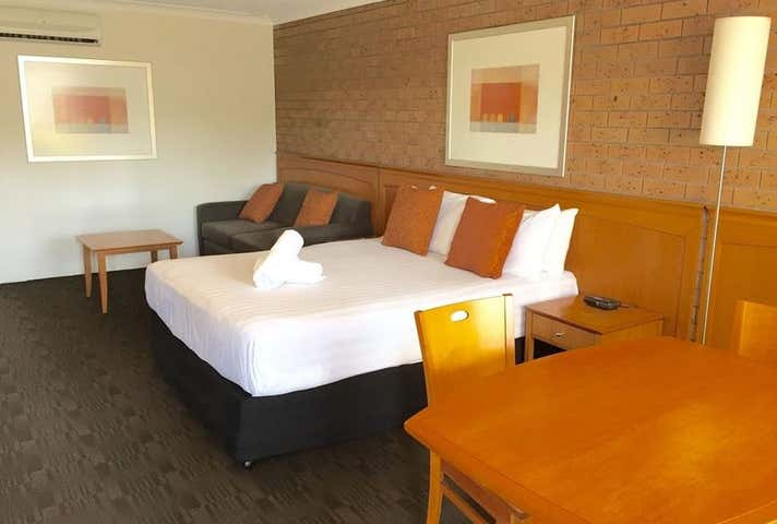 James Street Motor Inn, 88 James Street South Toowoomba QLD 4350 - Image 1