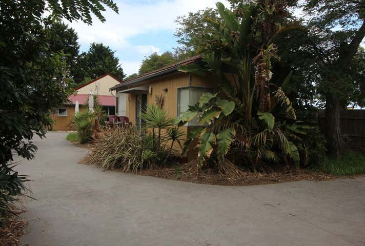 Kickback Cottages, 32 Roadknight Street Lakes Entrance VIC 3909 - Image 1