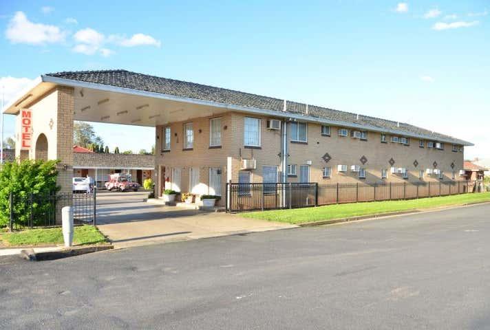 32 Lee Street Wellington NSW 2820 - Image 1