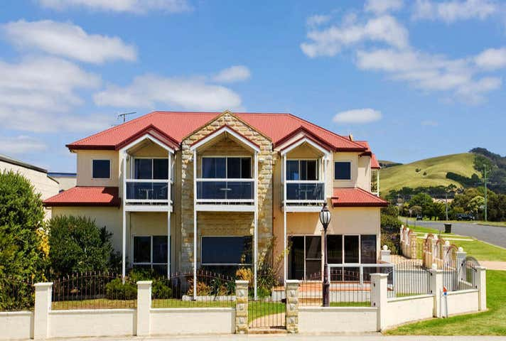 Lighthouse Keepers Inn, 175 Great Ocean Road Apollo Bay VIC 3233 - Image 1