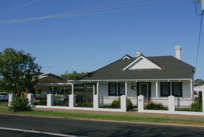 107 Beach Road South Bunbury WA 6230 - Image 1