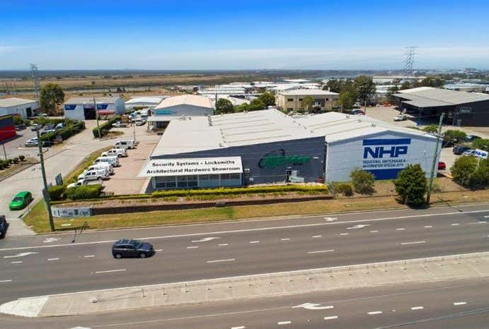 Unit 1 & 2, 573 Maitland Road Mayfield East NSW 2304 - Image 1