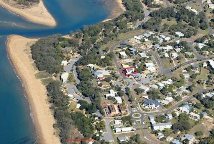 3/23 Ocean Street Tannum Sands QLD 4680 - Image 1