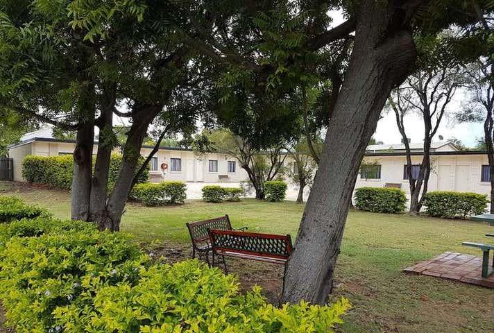 71 Hospital Road Emerald QLD 4720 - Image 1