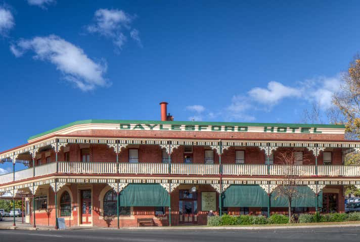 Daylesford Hotel, 2 Burke Square Daylesford VIC 3460 - Image 1