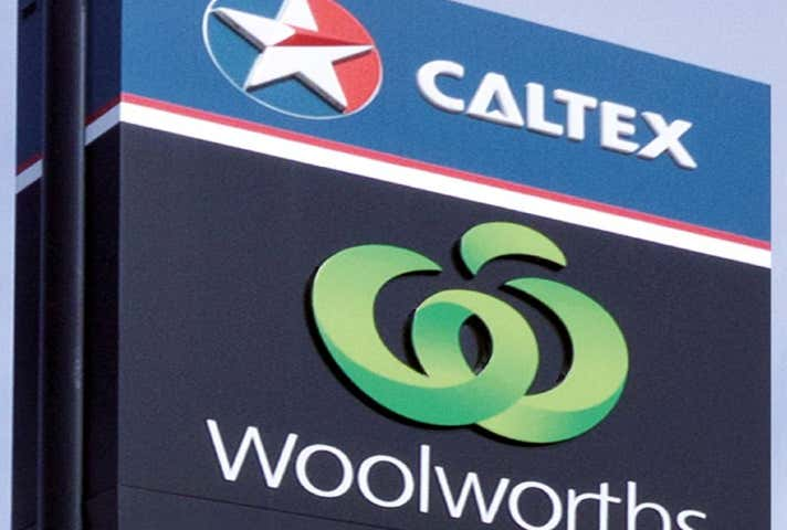 Caltex Woolworths, 107 Churchhill Street Childers QLD 4660 - Image 1