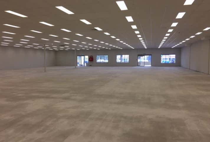 Showrooms & Bulky Goods Property For Lease in Glendalough