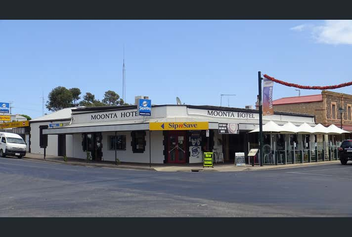 Moonta Hotel, 1 George Street Moonta SA 5558 - Image 1