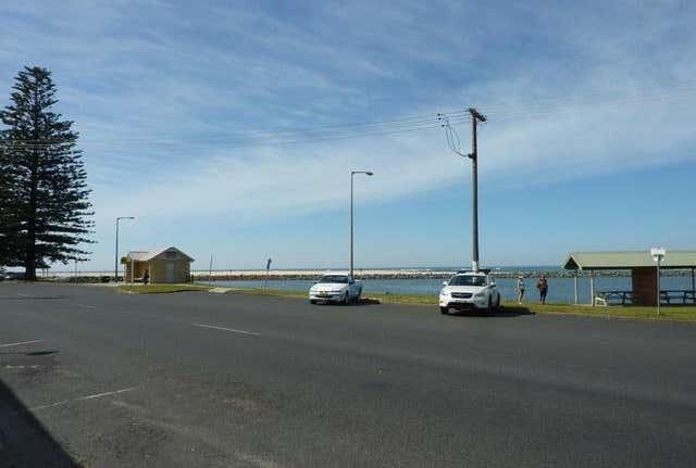 Shop 5, 21 Beach Street Harrington NSW 2427 - Image 1