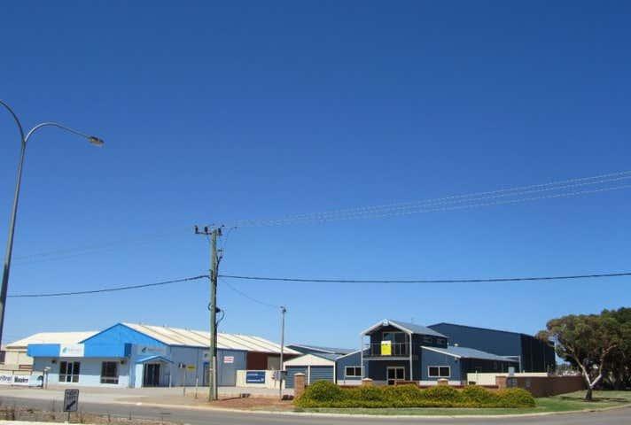 296 Place Road Wonthella WA 6530 - Image 1