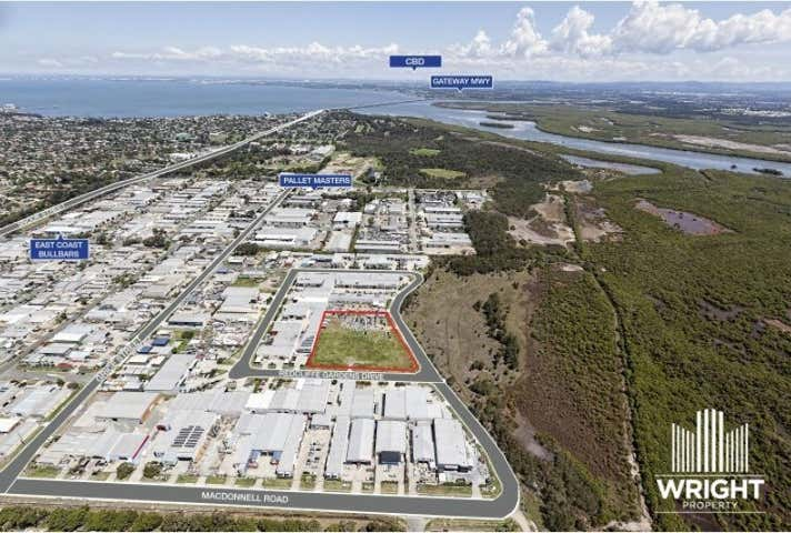35 Redcliffe Gardens Drive Clontarf QLD 4019 - Image 1