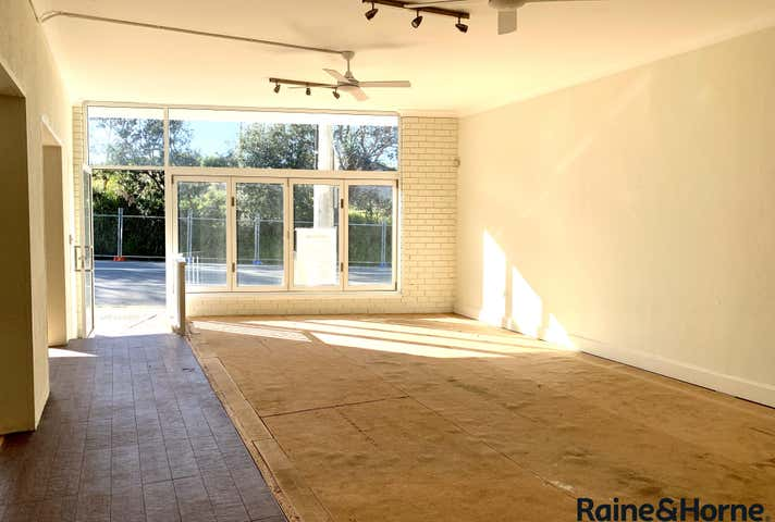 4/82a Ocean View Drive Wamberal NSW 2260 - Image 1