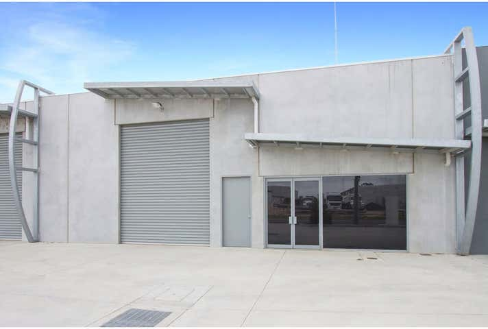 2/10 Wade Court Sale VIC 3850 - Image 1