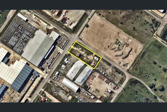 45 Main Beach Road Pinkenba QLD 4008 - Image 1