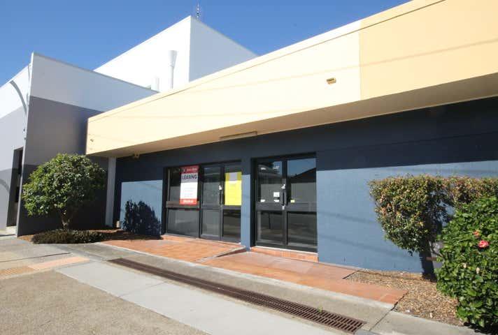1&2/143 Tingal Road Wynnum QLD 4178 - Image 1