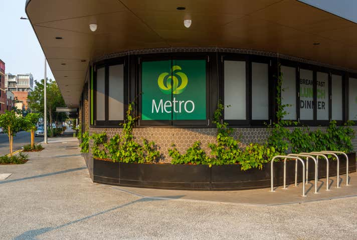 Woolworths Metro,105 Commercial Road Teneriffe QLD 4005 - Image 1