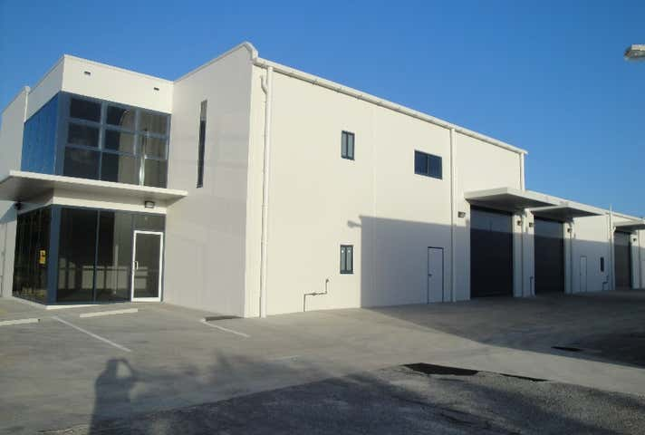 4 GIBSON STREET Gladstone Central QLD 4680 - Image 1