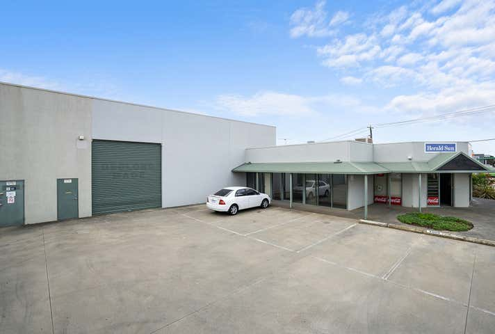 2/141-143 Victoria Street North Geelong VIC 3215 - Image 1