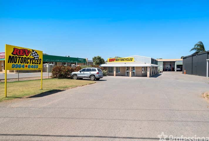 2/154 Flores Road Webberton WA 6530 - Image 1