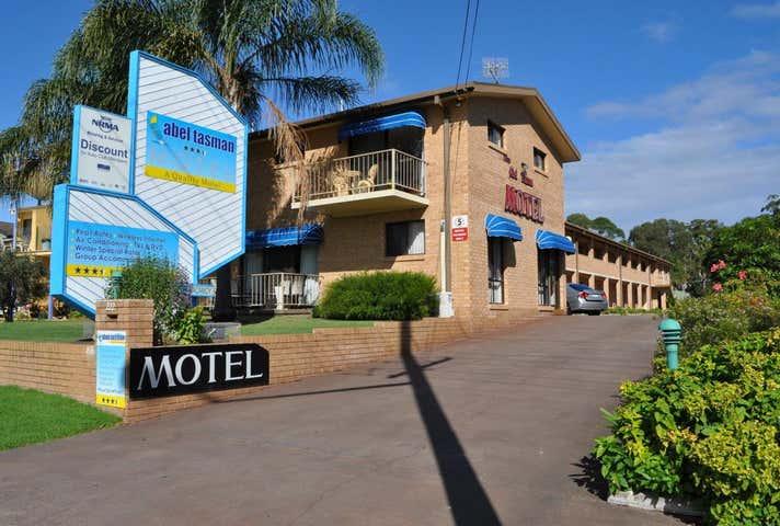 222 Beach Road Batehaven NSW 2536 - Image 1