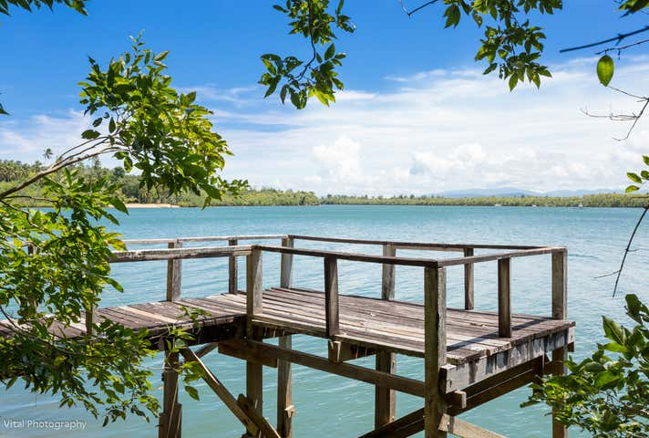 450 Flying Fish Point Road Coconuts QLD 4860 - Image 1