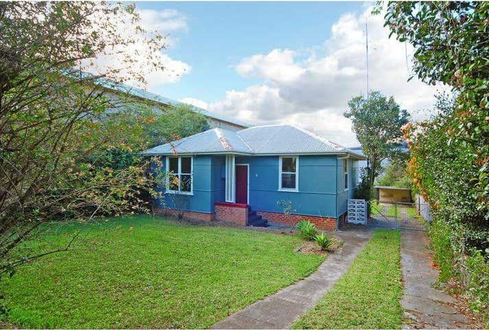 8 Burr Avenue Nowra NSW 2541 - Image 1