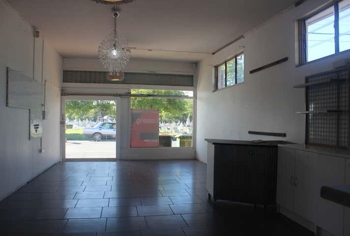 3/5 Holland Street West Mackay QLD 4740 - Image 1