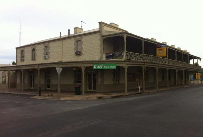 Royal Hotel Moonta, 2 Ryan Street, Moonta, SA 5558