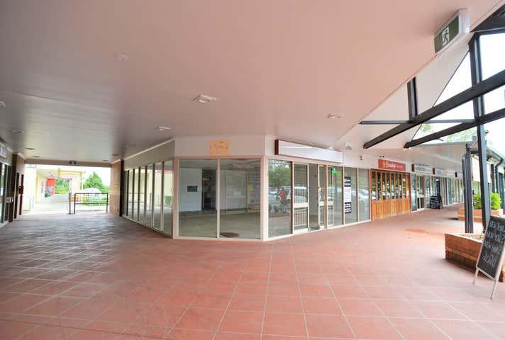 Shop 8 & 12 85-89 Cnr Middle & Coronation Rd Hillcrest QLD 4118 - Image 1