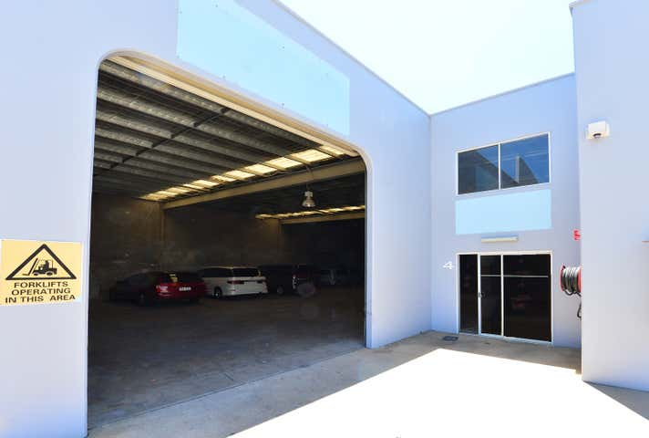 Unit 4/2 Premier Circuit Warana QLD 4575 - Image 1