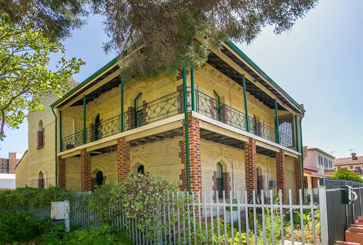 21 Parry Street Fremantle WA 6160 - Image 1