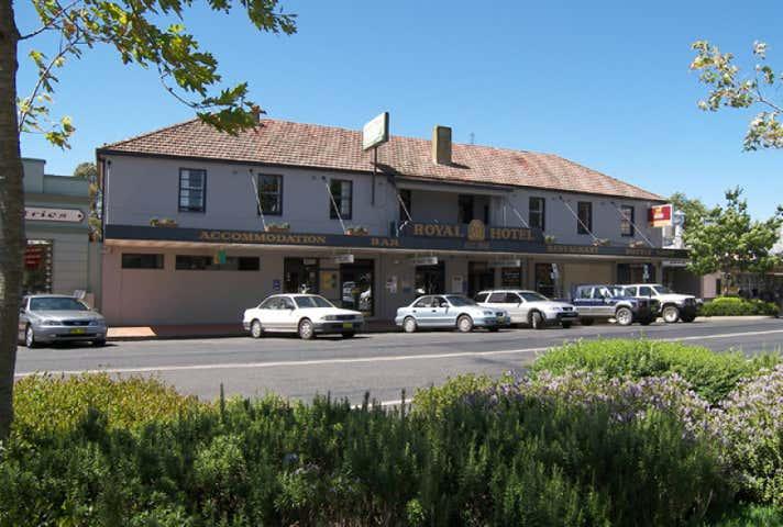 Royal Hotel, 111-121 Oberon Street Oberon NSW 2787 - Image 1