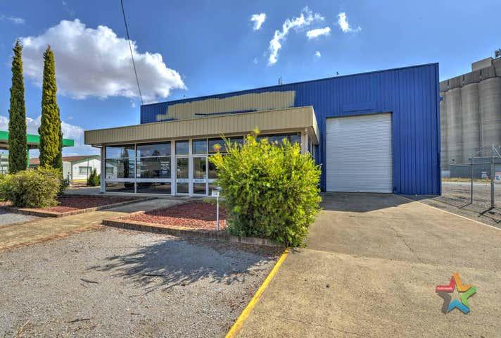 25 Gunnedah Road Tamworth NSW 2340 - Image 1