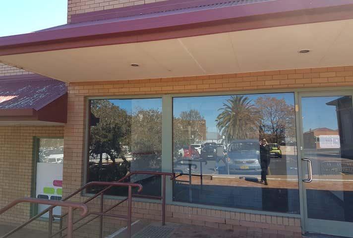 Village Square, Shop 2, 169 Clarinda St Parkes NSW 2870 - Image 1